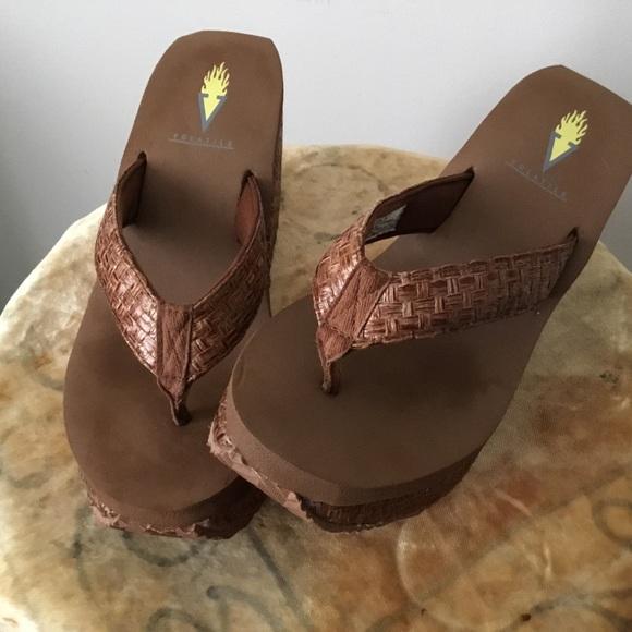 Volatile-Bahama Style platform wedge thong sandal